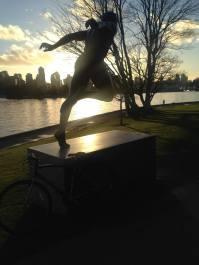 statuerunning
